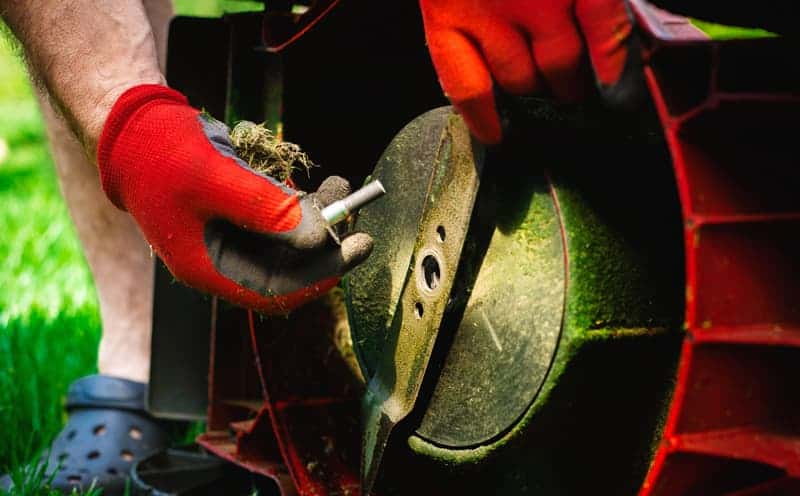 How To Change a Lawn Mower Blade
