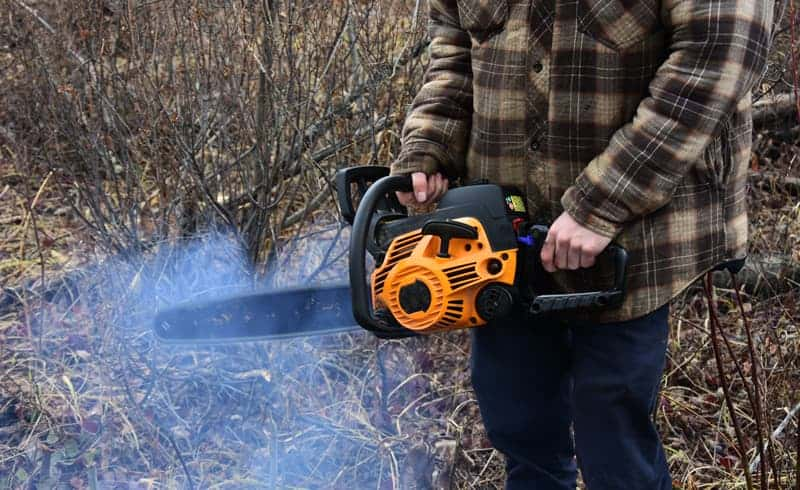 My Chainsaw Bogs Down When I Give it Gas: Why?