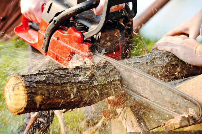 Best Cordless & Battery Powered Chainsaws