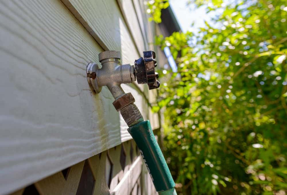 How To Remove A Stuck On Garden Hose From A Spigot