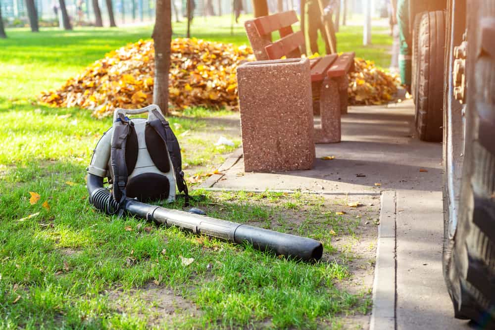 Tips On How To Hang A Leaf Blower In Your Garage