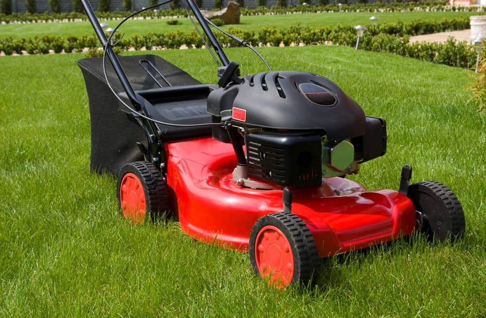 Should lawn mower wheels be the same height